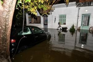 Καταστροφές από την κακοκαιρία: Καταιγίδες, πλημμυρισμένοι δρόμοι και χαλάζι!