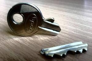 Σας έσπασε το κλειδί του σπιτιού; Μην ανησυχείτε δεν χρειάζεστε κλειδαρά!