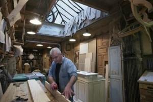 """Δυο μαλωμένα αδέρφια πλήρωσαν ξυλουργό για να """"χωρίσει"""" τα σπίτια τους! Εκείνος όμως έκανε κάτι καλύτερο!"""