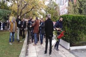 Ένταση στο ΑΠΘ: Εμπόδισαν στελέχη του ΣΥΡΙΖΑ να καταθέσουν στεφάνι στην Πολυτεχνική Σχολή! (Video)