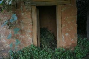 """Φρίκη στο Νεπάλ: Νεκρή 21χρονη που την υποχρέωσαν να ζήσει σε """"καλύβα περιόδου""""!"""