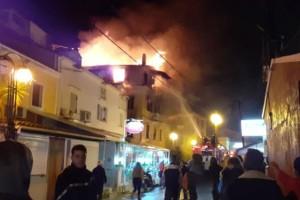 Φωτιά στην Κέρκυρα: Βίντεο ντοκουμέντο από τις δραματικές στιγμές διάσωσης των ενοίκων της μονοκατοικίας!