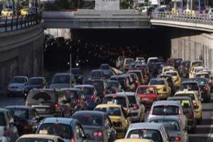 Αυξημένη κίνηση στους δρόμους! Που παρατηρείται μεγάλο μποτιλιάρισμα; (photo)