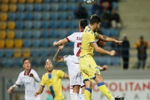 Super League: «Τσίμπησε» το βαθμό η Λάρισα στην Τρίπολη!