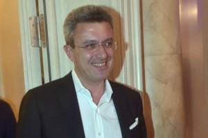 Νίκος Χατζηνικολάου: Δεν φαντάζεστε ποια ήταν τα πρώτα του επαγγελματικά βήματα!