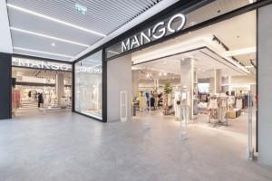 Mango: Το μαύρο φόρεμα που αναδείκνυει όλες τις σιλουέτες κοστίζει μόλις 19 ευρώ!
