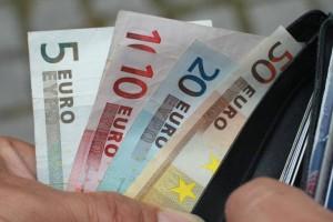 Διπλό κοινωνικό μέρισμα: Ποιοι μπορούν να πάρουν πάνω από 1.000 ευρώ!
