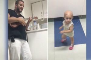 Ραγίζει καρδιές: Γιατρός τραγουδάει σε κοριτσάκι με καρκίνο και η μικρούλα χορεύει! (video)