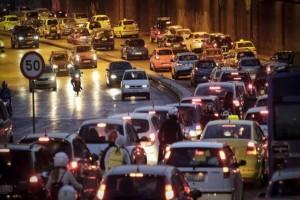 Κυκλοφοριακό κομφούζιο στους δρόμους της Αθήνας! Που εντοπίζονται προβλήματα; (photos)