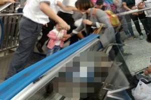 Ανείπωτη θλίψη: 3χρονο παιδί έπεσε από κυλιόμενες σκάλες και πέθανε! (photos)