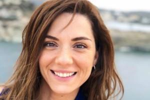 Γυναικάρα η Βάσω Λασκαράκη: Έβαλε τις γόβες που θέλουν όλες οι γυναίκες!