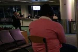 Αδιανόητο: 'Ήθελε να παίξει playstation στο αεροδρόμιο και αποσύνδεσε οθόνη!