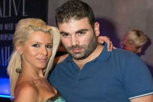 Παντελής Παντελίδης: Αγνώριστη η γυναίκα σταθμός στην ζωή του! Δείτε φωτογραφίες με το πως είναι τώρα το πρόσωπό της...