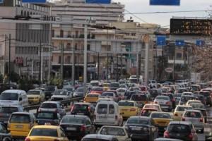 """Το """"αδιαχώρητο"""" στους δρόμους της Αθήνας! Ουρές χιλιομέτρων σε κεντρικές αρτηρίες!"""