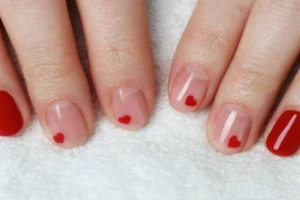 4+1 ρομαντικά σχέδια για τα νύχια σου για να γιορτάσεις τον Άγιο Βαλεντίνο!