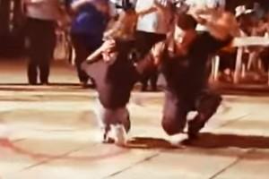 """Λεβέντης χορεύει απτάλικο ζεϊμπέκικο και """"τρελαίνει"""" τους πάντες! Το βίντεο έχει 375.340 views!"""
