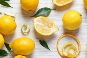 """Βάλτε χυμό λεμονιού και νερό στα τρόφιμα σας. Μόλις μάθετε τον λόγο θα """"τρέξετε"""" να το κάνετε!"""
