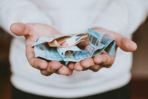 Συντάξεις Φεβρουαρίου: Ποιοι είδαν μόνο 1€ αύξηση στους λογαριασμούς τους;