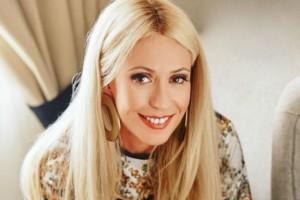 Μαρία Μπακοδήμου: Φόρεσε το φόρεμα που θέλουν όλες οι γυναίκες! Κοστίζει 119 ευρώ!