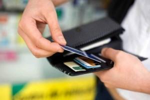 Πρωτοποριακή απόφαση: Θύμα κλοπής κάρτας ATM δικαιώνεται από δικαστήριο!