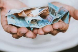 Ραγδαίες εξελίξεις με το Κοινωνικό Μέρισμα: Τι πρέπει να κάνετε σήμερα για να πάρετε 700 ευρώ!