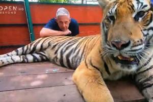 Εικόνες: Ο Τάσος Δούσης μας ξεναγεί στην Ταϊλάνδη! Μην χάσετε το νέο επεισόδιο!