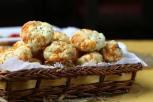 Αλμυρή απόλαυση! Σπιτικά μπισκότα τυριού με μόλις 3 υλικά!