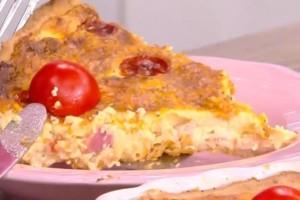Αλμυρή τάρτα με τυριά και μπέικον! (Video)