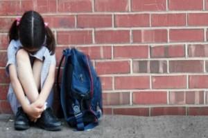 Βίντεο που σοκάρει: Καρέ καρέ το άγριο bullying που υπέστη 5χρονο κοριτσάκι μέσα σε σχολικό!