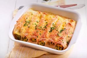 Φτιάξτε αυτά τα κανελόνια με σπανάκι, κοτόπουλο και πέστο για μεσημεριανό! Θα τους ξετρελάνετε!