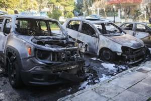 Συναγερμός: Συνεχίζονται οι εμπρηστικές επιθέσεις σε αυτοκίνητα! Νέο χτύπημα στο Κολωνάκι!