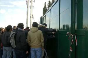 Υπουργείο Παιδείας: Φοιτητές πολιόρκησαν το κτίριο!