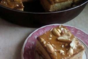 Κέικ μελιού με καραμελωμένο ζαχαρούχο γάλα!