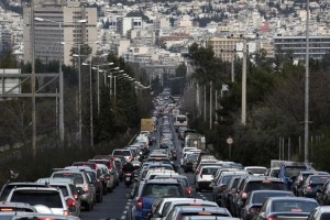 Στο «κόκκινο» η κίνηση! Σε ποιους δρόμους εντοπίζεται έντονο μποτιλιάρισμα; (photo)