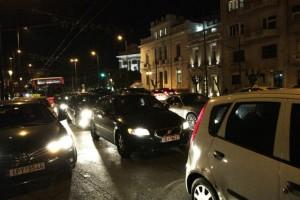 Χάος στους δρόμους της Αθήνας: Ουρές χιλιομέτρων!
