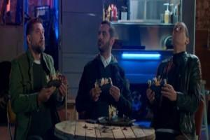 MasterChef 4: Οι σπόντες, τα αστεία και τα «βρώμικα»! (Video)