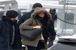 """Η Μέγκαν Μάρκλ με ένα απλό τζιν και παλτό στον Καναδά! """"Άφησε"""" πίσω το πριγκιπικό στιλ και επέστρεψε στα παλιά!"""