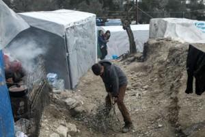 Τραγωδία στη Μόρια: Μαχαίρωσαν 18χρονη Αφγανή!