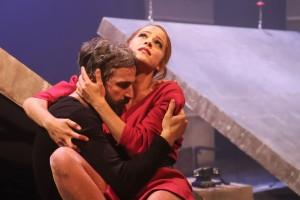 Κριτική Θεάτρου: «Ρινόκερος» του Ιονέσκο στο Θέατρο Κιβωτός