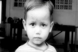 Όταν ήταν 2 χρονών ο παππούς του τον έκλεισε σε ορφανοτροφείο...48 χρόνια μετά συνέβη κάτι σοκαριστικό!