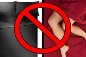 Έχετε μαύρα ή κόκκινα σεντόνια στο κρεβάτι σας; Πετάξτε τα άμεσα, κινδυνεύετε από...