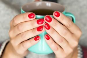 Νύχια 2020: 4+1 εναλλακτικές για να απογειώσεις το κόκκινο μανικιούρ σου!