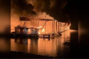 ΗΠΑ : 8 νεκροί από πυρκαγιά σε σκάφη!