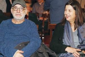"""""""Λύγισε"""" η σύζυγος του Θάνου Μικρούτσικου: Μετά την συναυλία έμαθε για τον δεύτερο θάνατο!"""