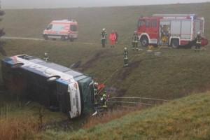 Φονικό τροχαίο στη Γερμανία: Σχολικό λεωφορείο έπεσε σε χαράδρα! Νεκρά δυο παιδιά! (photo-video)