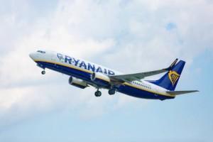 Ryanair: Γιατί όλοι την κατηγορούν αλλά συνεχίζουν να ταξιδεύουν μ' αυτήν; Χρήσιμες συμβουλές