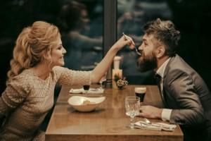 Της πρότεινε να βγουν ραντεβού για πρώτη φορά... Αυτό που ακολούθησε θα σας αφήσει με το στόμα ανοιχτό!