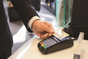 Προσοχή στις κάρτες και τα PIN: Απάτες  σοκ με ανέπαφες συναλλαγές 25 ευρώ