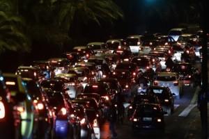 Κίνηση στην Παραλιακή: Χαμός λόγω τροχαίου!