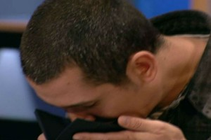 Masterchef 4: Απίστευτο! Ο Σωτήρης Κοντιζάς έφτυσε φαγητό σε χαρτοπετσέτα!